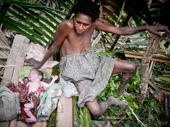 Bush-Birth-PNG-Bamu-Adriel_Booker-130826-80